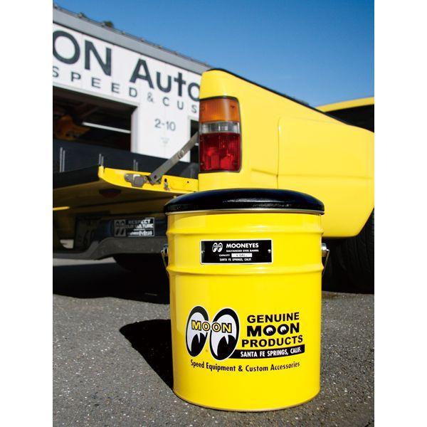 MOONEYES オイル缶スツール、フラットバイザーキャップ 入荷のご案内