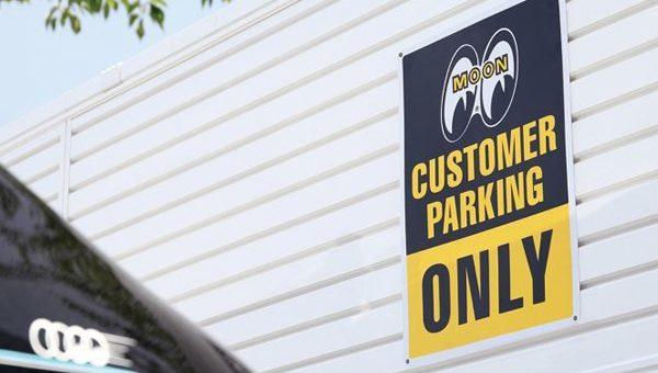 ムーンアイズ Customer Parking Only プレート 新商品のご案内 MOONEYES
